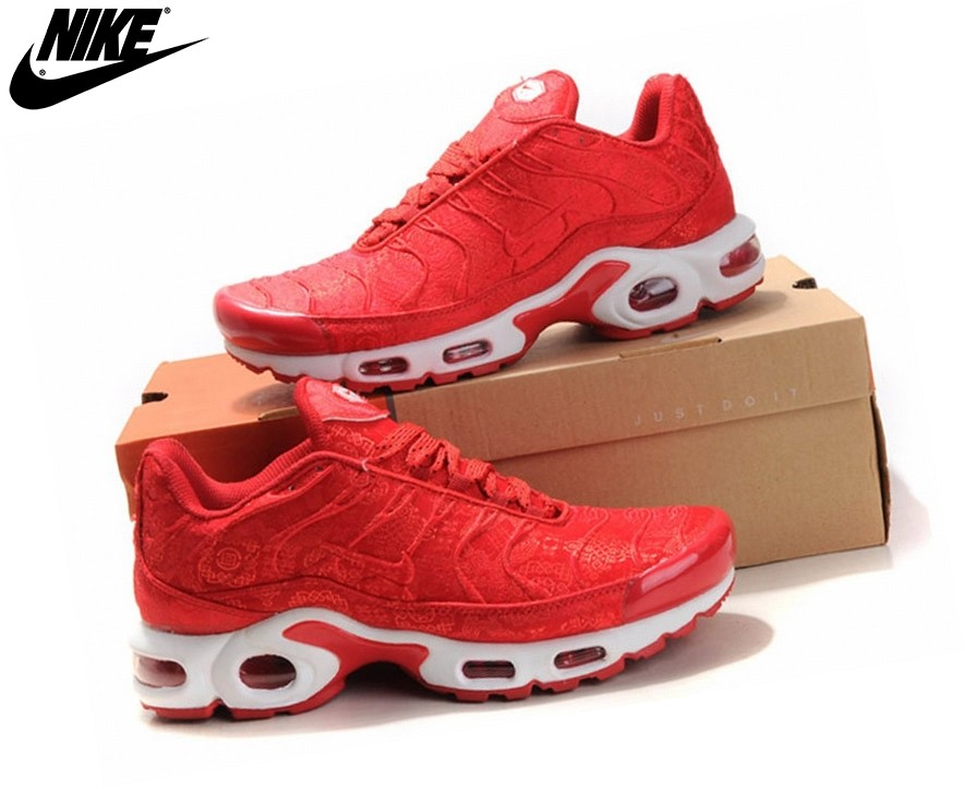 the latest 3a8d0 7ab08 Nike Baskets Running Garçon Junior Air Max Tn Requin Plus Rouge